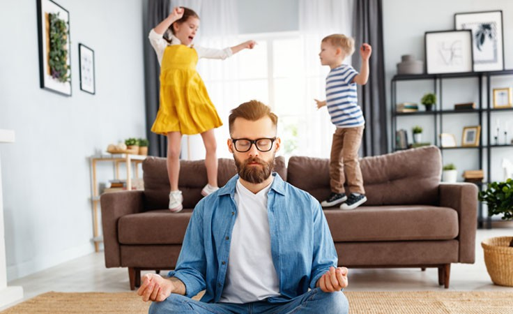 Vater meditiert